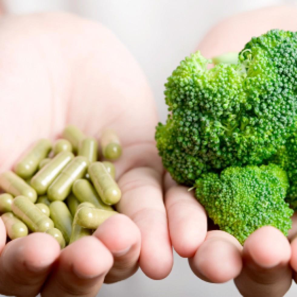 pillen_of_broccoli_iStock_000014174710XSmall